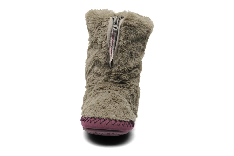 Slippers BEDROOM ATHLETICS Monroe Grey model view