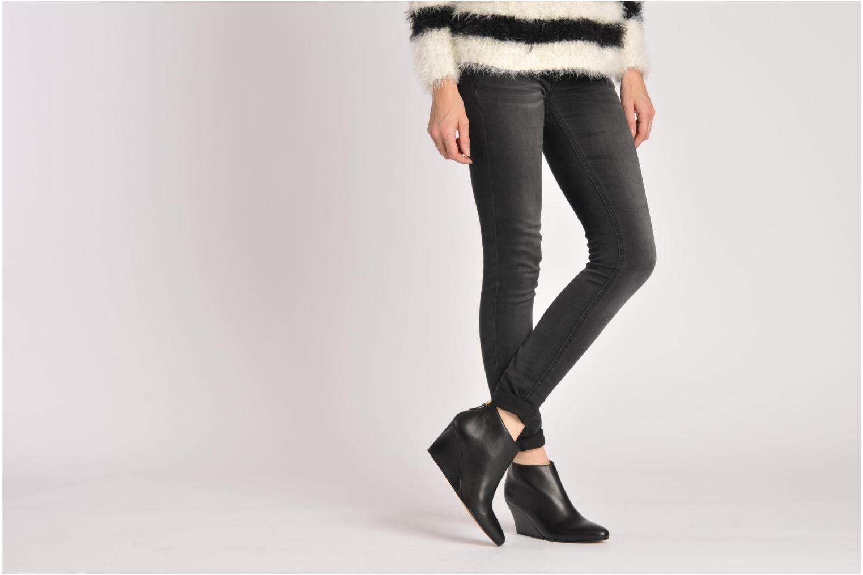 Stiefeletten & Boots Avril Gau Loty grau ansicht von unten / tasche getragen