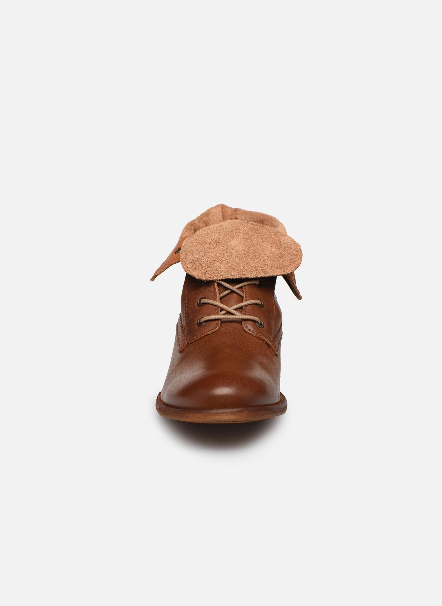 Bottines et boots Mustang shoes Multa Marron vue portées chaussures