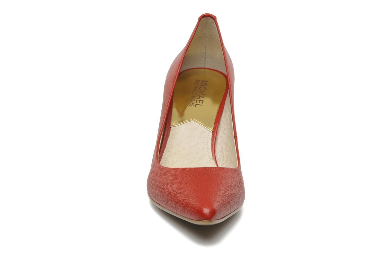 Escarpins Michael Michael Kors MK Flex Mid Pump W Rouge vue portées chaussures