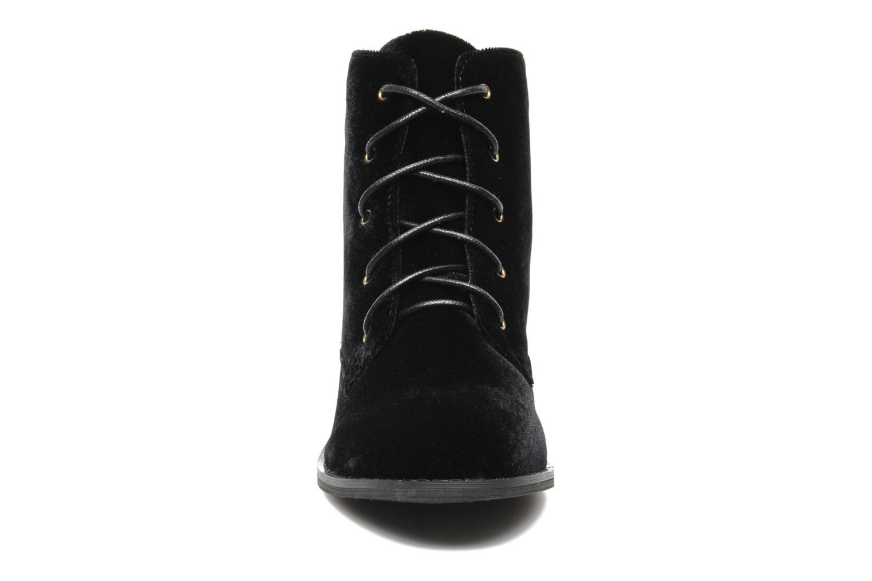 Boots Shellys London Proskar Svart bild av skorna på