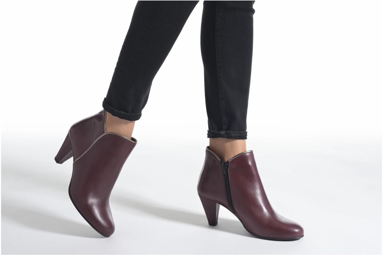 Ankle boots Georgia Rose Lagopède Burgundy view from underneath / model view