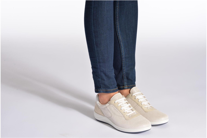 Sneaker TBS Easy Walk Anyway grau ansicht von unten / tasche getragen