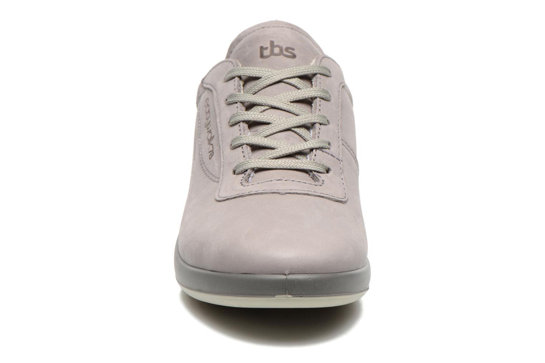 Sneaker TBS Easy Walk Anyway grau schuhe getragen