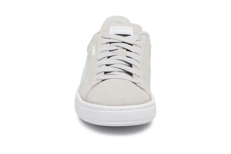 Sneakers Puma Suede Classic Wn's Grigio modello indossato