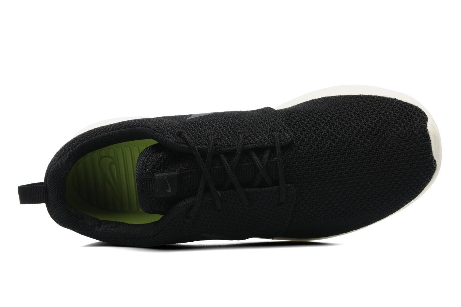 Trainers Nike Nike Roshe One Black view from the left