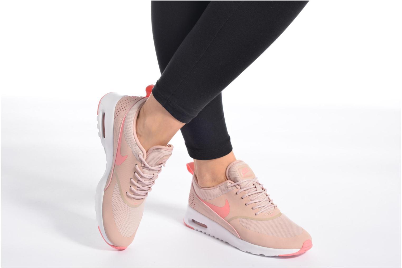 Sneaker Nike Wmns Nike Air Max Thea weiß ansicht von unten / tasche getragen