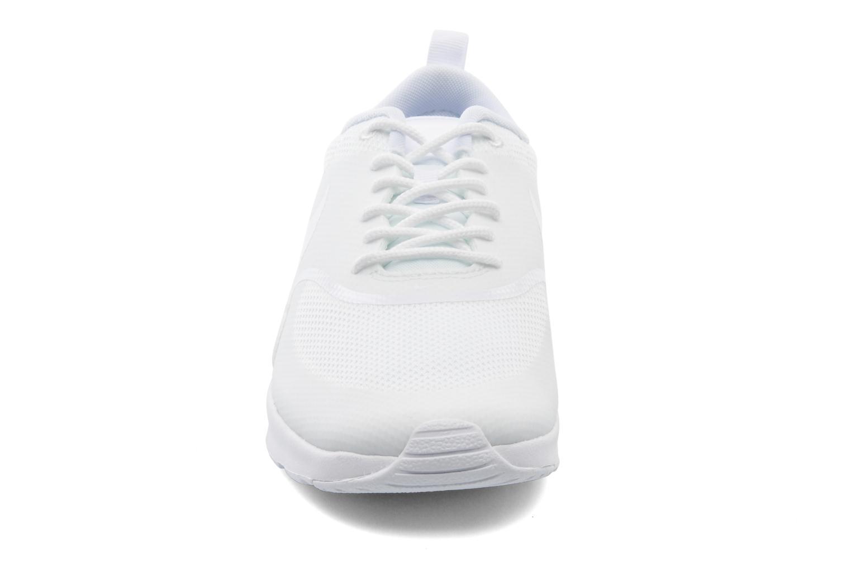 Baskets Nike Wmns Nike Air Max Thea Blanc vue portées chaussures