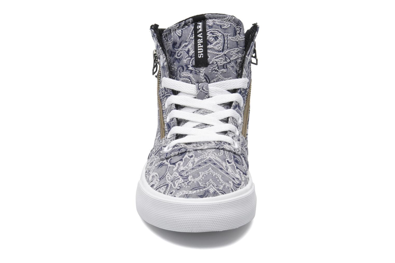 Baskets Supra Cuttler W Gris vue portées chaussures