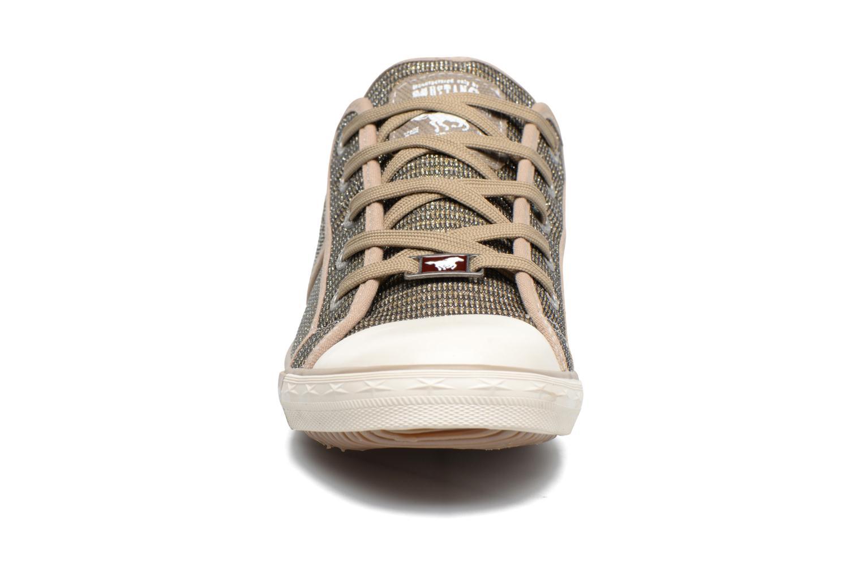 Sneakers Mustang shoes Pitaya Oro e bronzo modello indossato