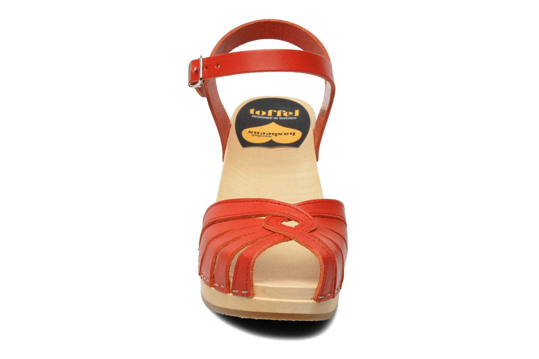Sandales et nu-pieds Swedish Hasbeens Fredrica Rouge vue portées chaussures