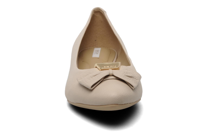 Ballet pumps Geox D Leslie B Beige model view