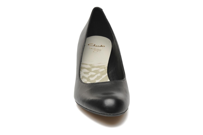 Escarpins Clarks Arista Abe Noir vue portées chaussures