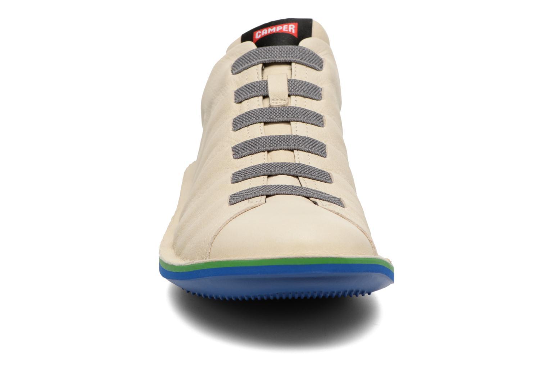 Baskets Camper Beetle 18751 Beige vue portées chaussures