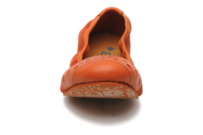 Ballerines Art CRIOC 120 Orange vue portées chaussures