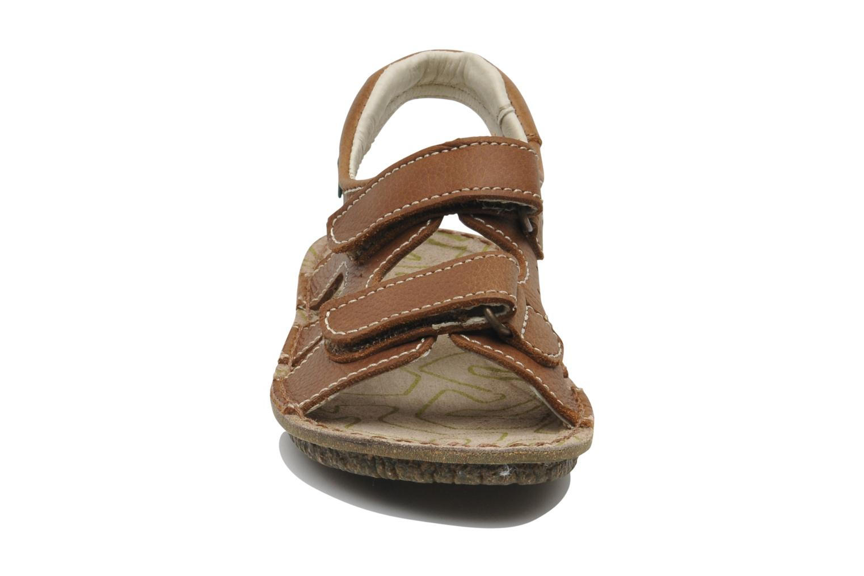 Sandales et nu-pieds El Naturalista KIRI E264 Marron vue portées chaussures