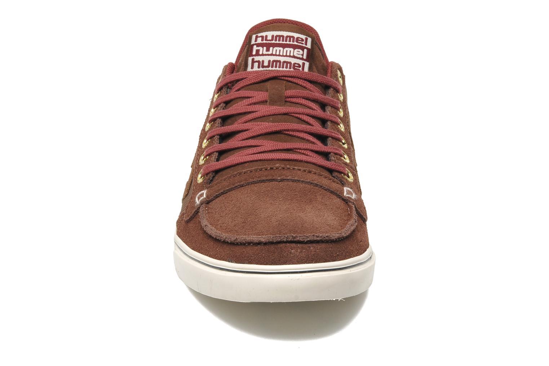 Baskets Hummel Ten Star Moc Toe Low Marron vue portées chaussures