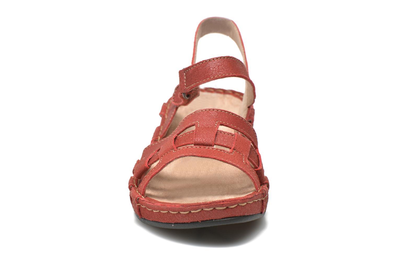 Sandales et nu-pieds TBS Easy Walk Vladia Rouge vue portées chaussures
