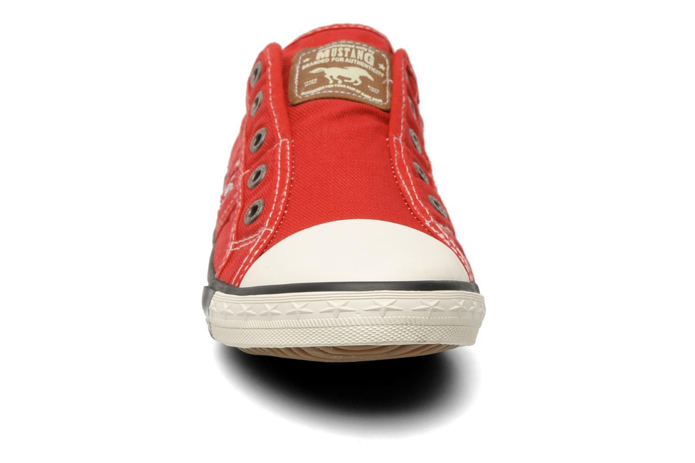 Baskets Mustang shoes Sorala Rouge vue portées chaussures