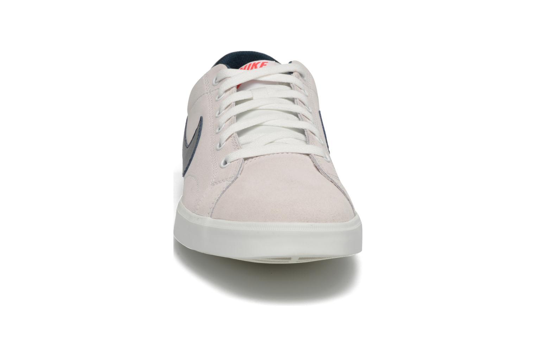 Baskets Nike nike eastham Beige vue portées chaussures