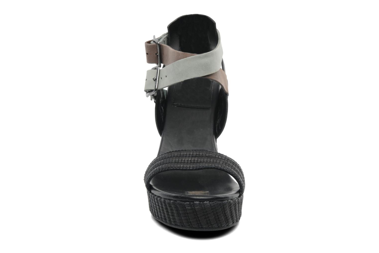 Sandales et nu-pieds Lacoste Kellam 2 Noir vue portées chaussures