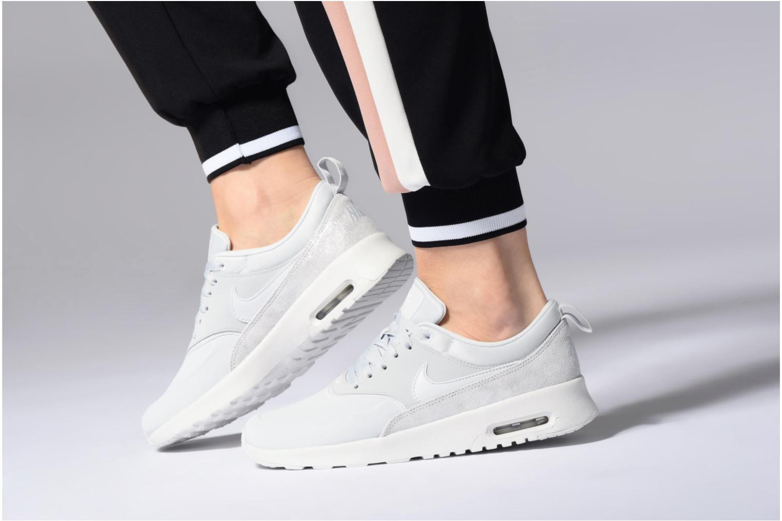 Trainers Nike Wmns Nike Air Max Thea Prm White view from underneath / model view