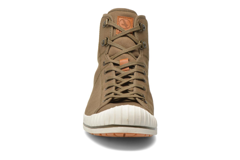 Baskets Aigle Kitangiri Mid Vert vue portées chaussures