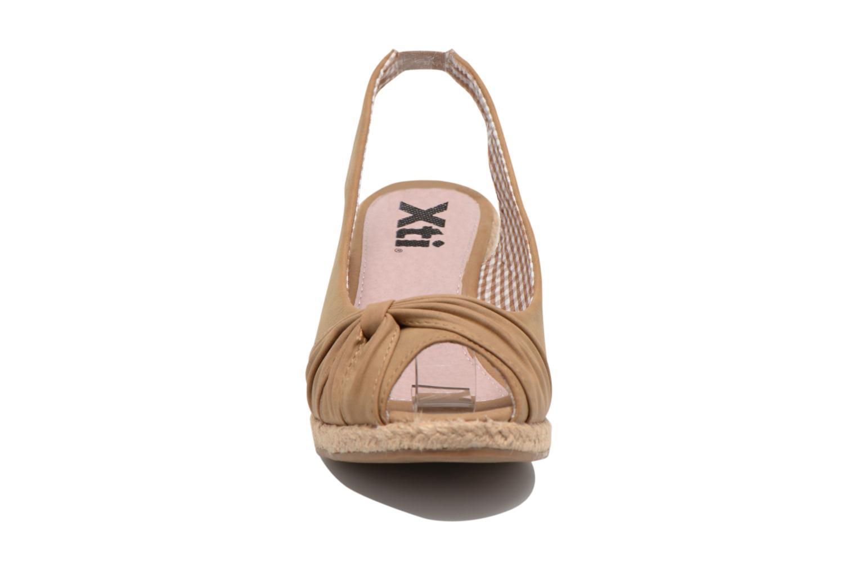 Sandales et nu-pieds Refresh Britt Marron vue portées chaussures