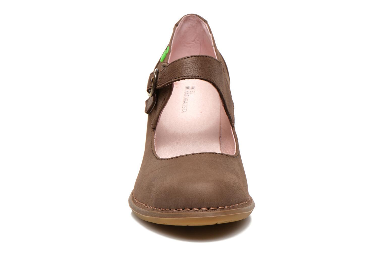 Escarpins El Naturalista Colibri N475 Marron vue portées chaussures