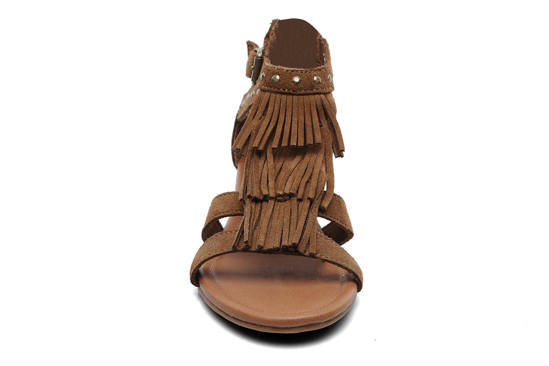 Sandales et nu-pieds Minnetonka Monaco Marron vue portées chaussures