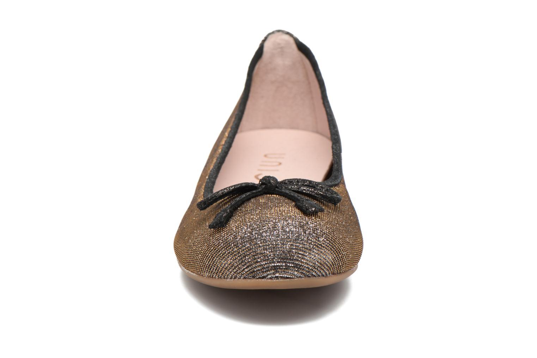 Ballerines Unisa Acor Gris vue portées chaussures