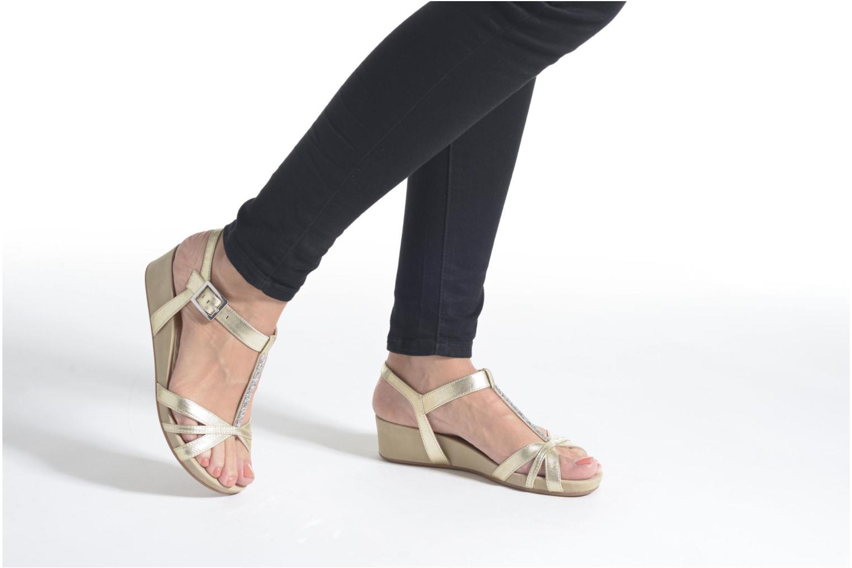 Sandales et nu-pieds Unisa Boili Noir vue bas / vue portée sac