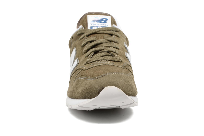Sneaker New Balance MRL996 grün schuhe getragen