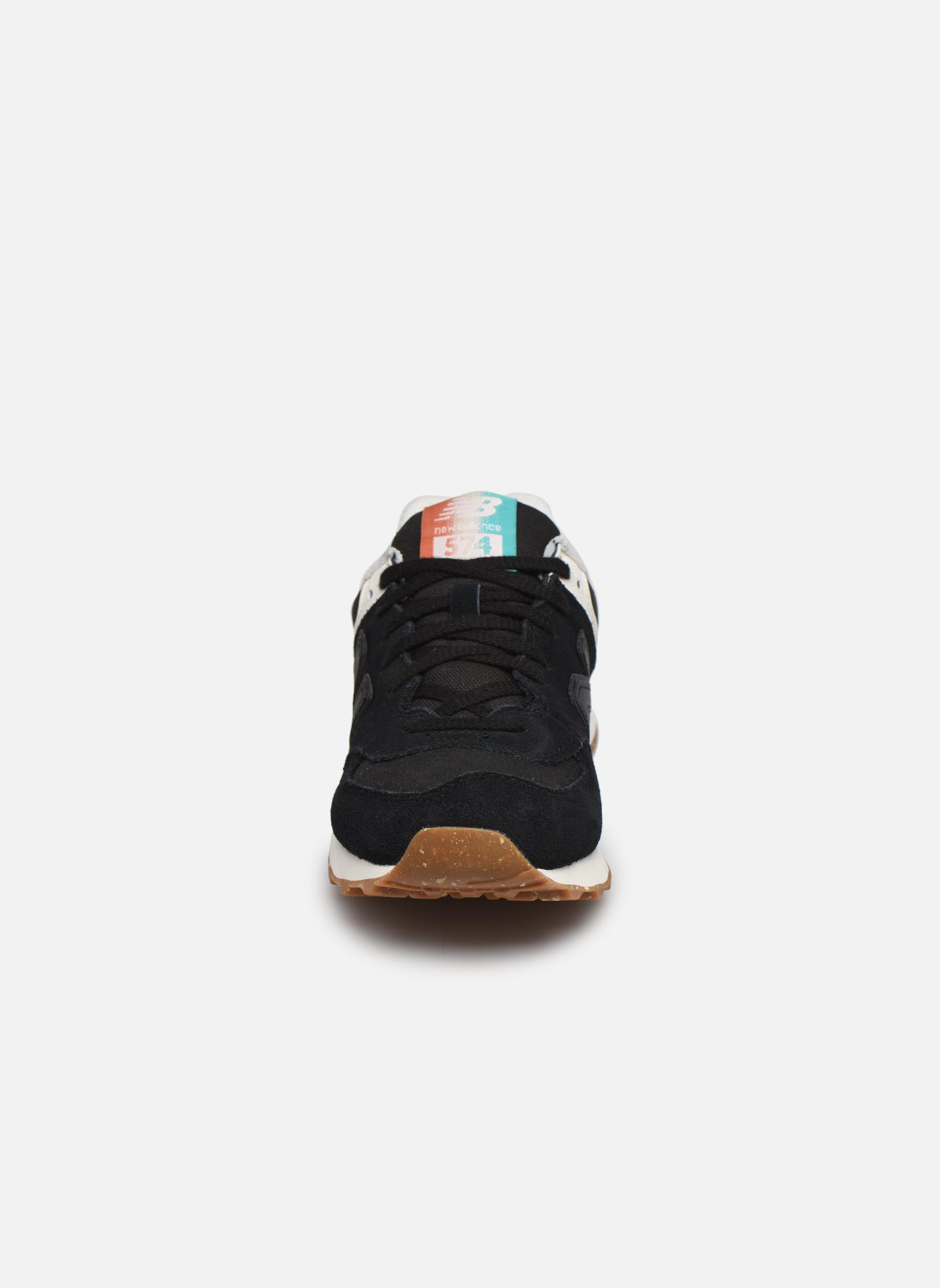 Baskets New Balance WL574 Noir vue portées chaussures