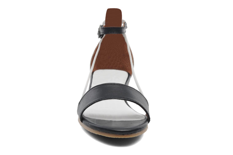 Sandales et nu-pieds Kickers Cocola Noir vue portées chaussures