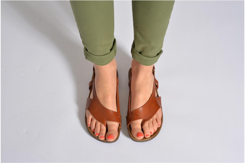 Sandales et nu-pieds Kickers Atomik Noir vue bas / vue portée sac