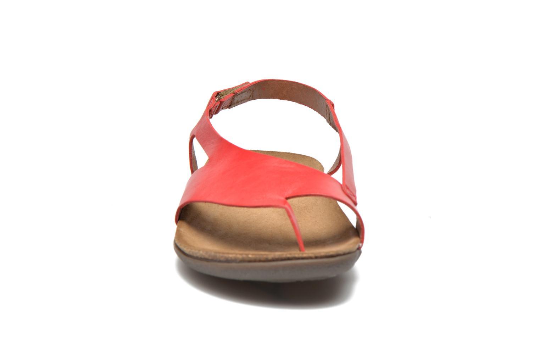 Sandales et nu-pieds Kickers Atomik Rouge vue portées chaussures
