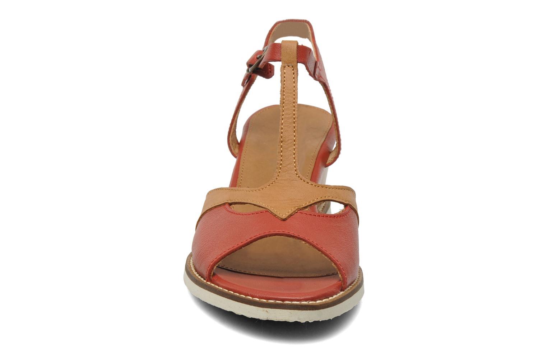 Sandalen Kickers Seshuan rot schuhe getragen