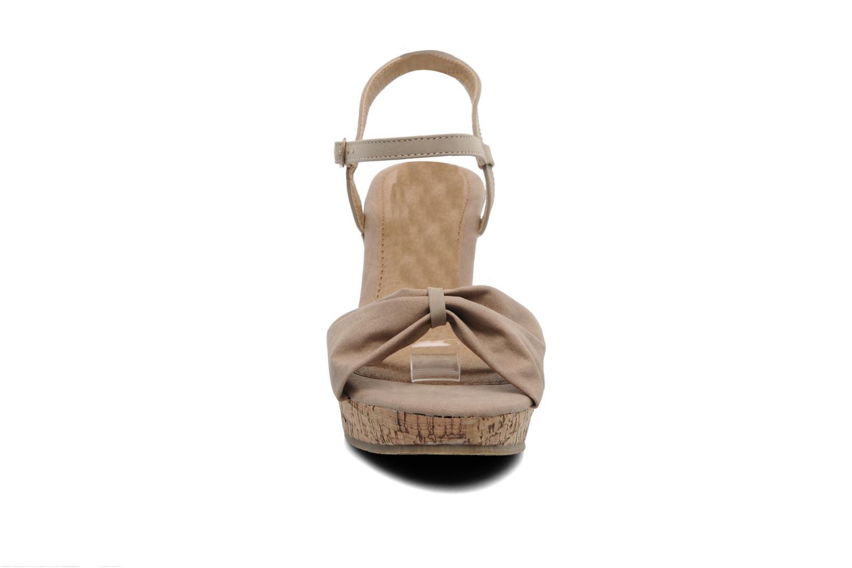 Sandalen Latinas Perla beige schuhe getragen
