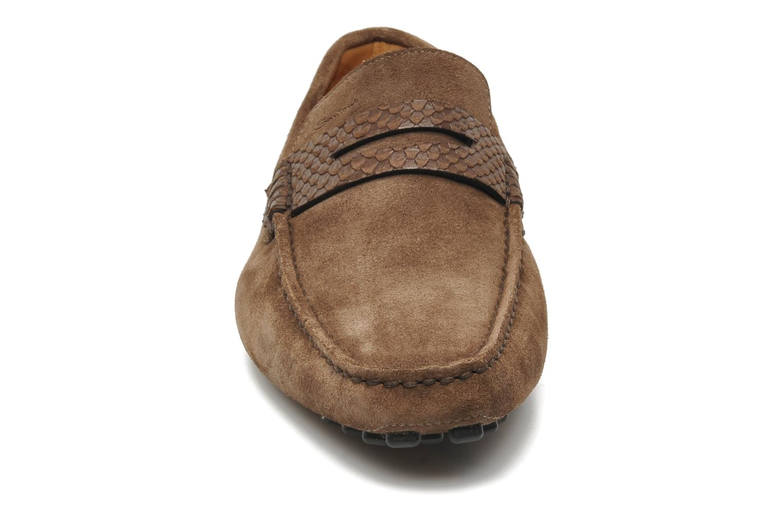 Mocassins Santoni Saint Tropez 11291 Marron vue portées chaussures