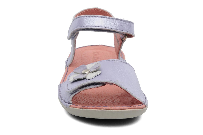 Sandales et nu-pieds Kickers Exmiel Violet vue portées chaussures