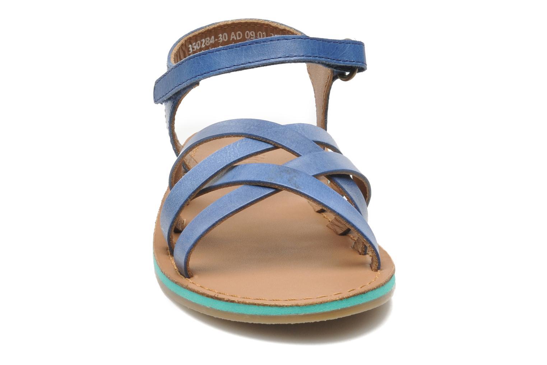Sandales et nu-pieds Kickers Parallelo Bleu vue portées chaussures