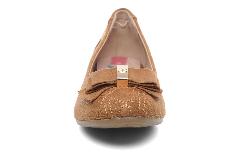 Ballerines Xti Anis Marron vue portées chaussures