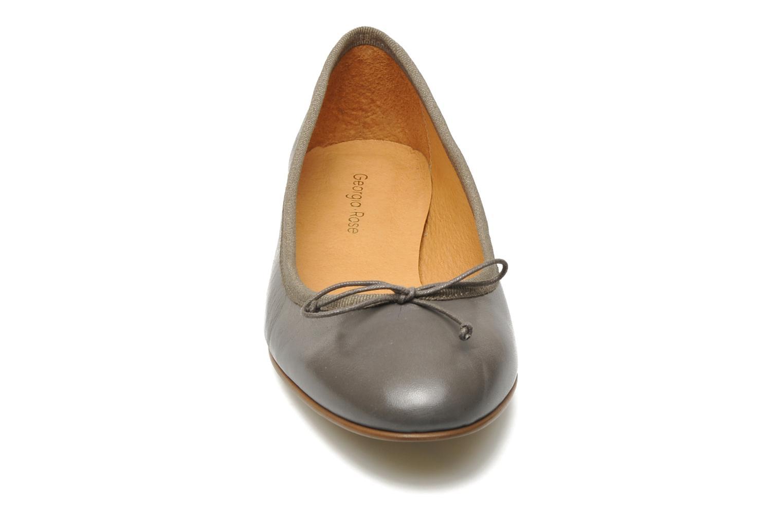 Ballerines Georgia Rose Lumine Gris vue portées chaussures