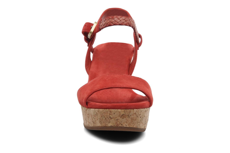 Sandalen UGG D'Alessio rot schuhe getragen