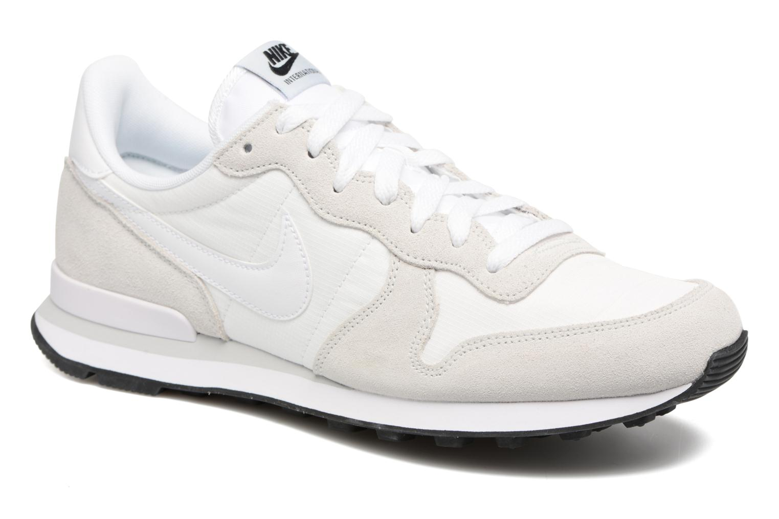 Trainers Nike Nike Internationalist White detailed view/ Pair view