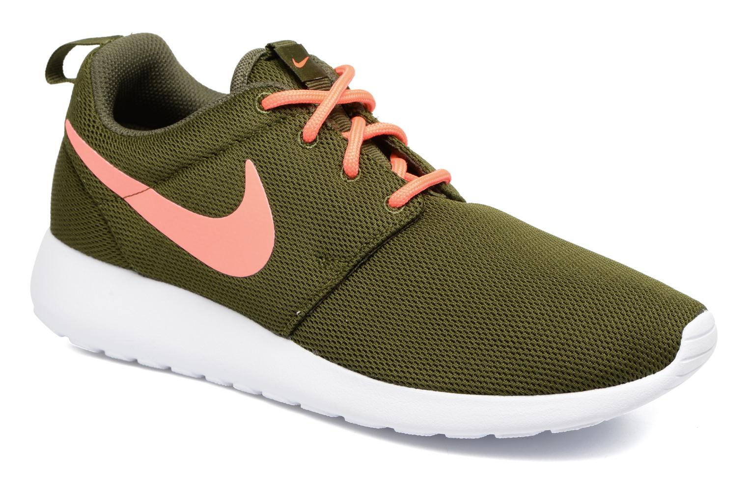 Trainers Nike Wmns Nike Roshe One Green detailed view/ Pair view