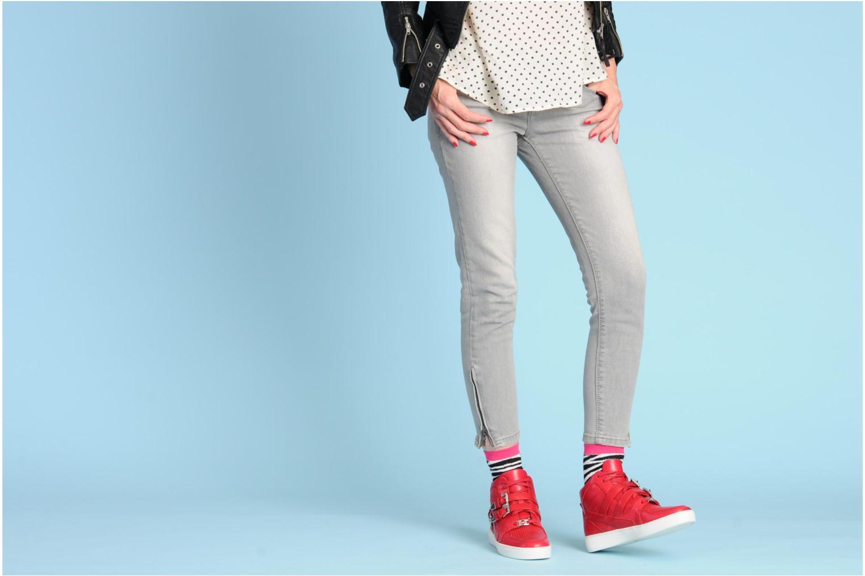 Sneaker Michael Michael Kors Robin High Top schwarz ansicht von unten / tasche getragen