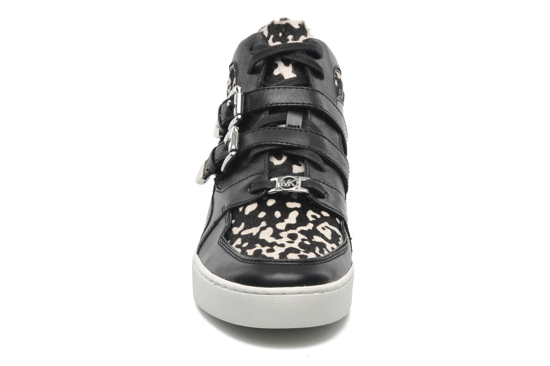 Baskets Michael Michael Kors Robin High Top Noir vue portées chaussures