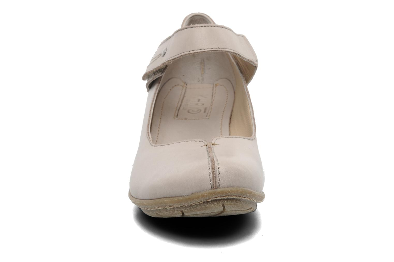 Ballerines Khrio Roa Beige vue portées chaussures
